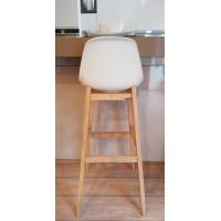 Tölgyfa lábas fehér műanyag dizájn bárszék